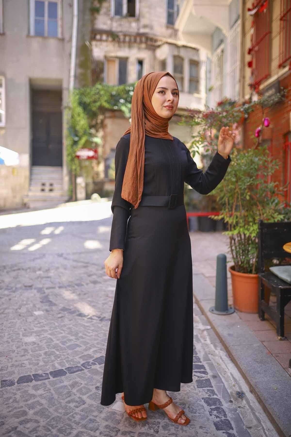 Nervürlü Kemerli Elbise - Siyah