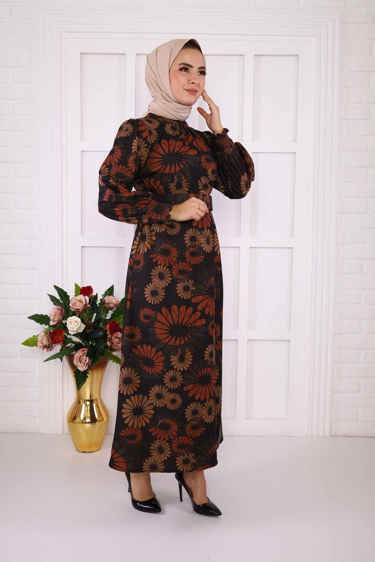 Papatya Desenli Elbise