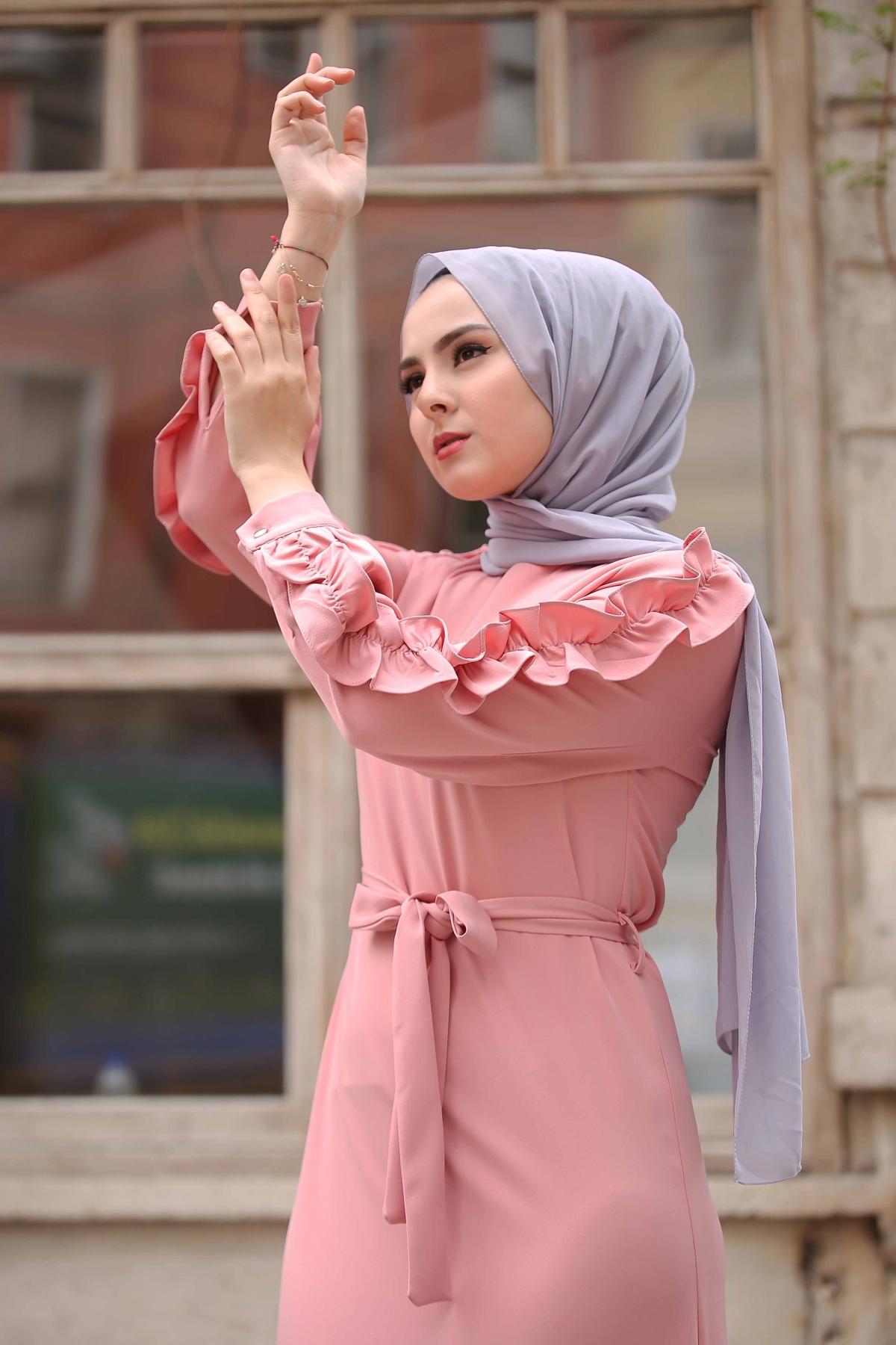 Kolu Fırfırlı Boydan Elbise - Pudra