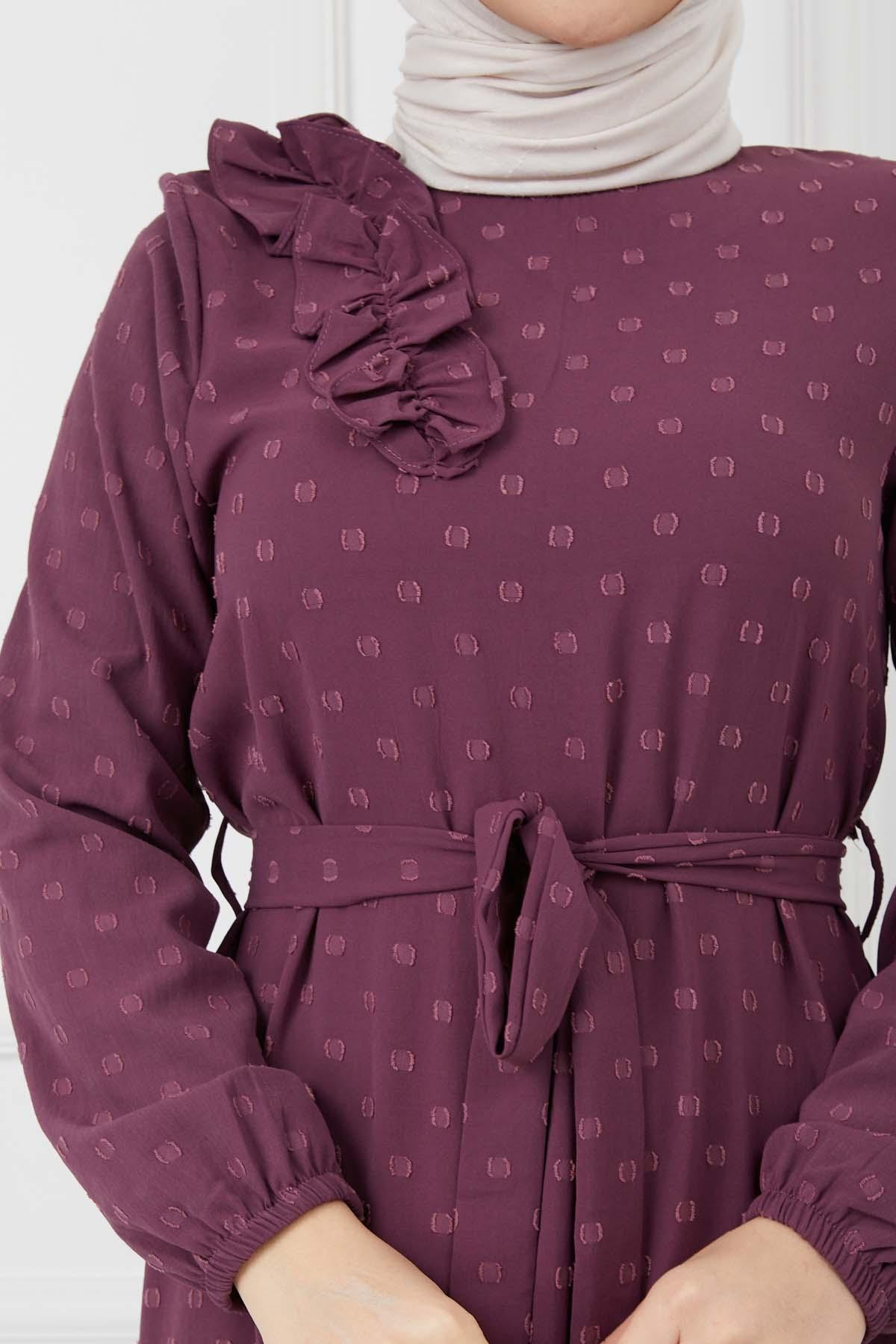 Omuzu Fırfırlı Geniş Ponponlu Elbise - Mürdüm