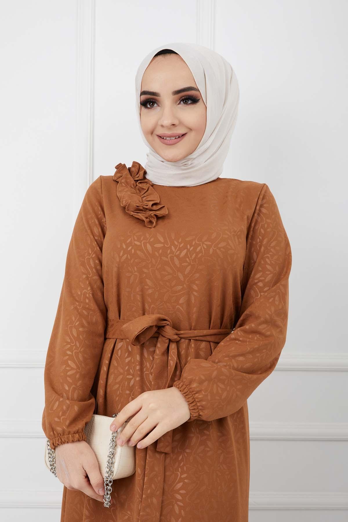 Soğuk Baskılı Omuz Fırfırlı Elbise - Taba